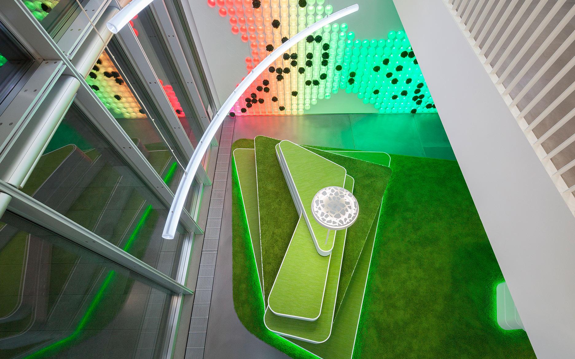 InVision LED Festinstallation Düsseldorf tennagels