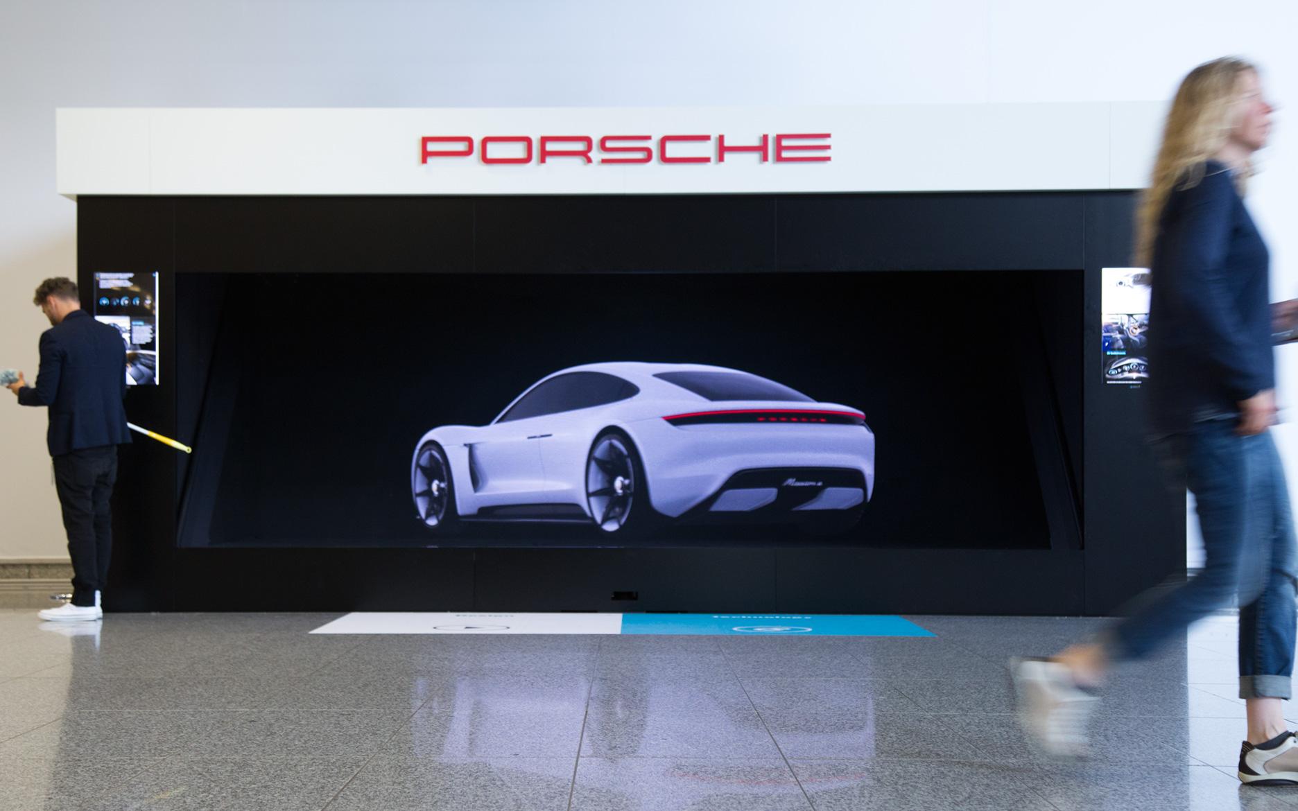 tennagels Holografie, Porsche, Holografische Projektion