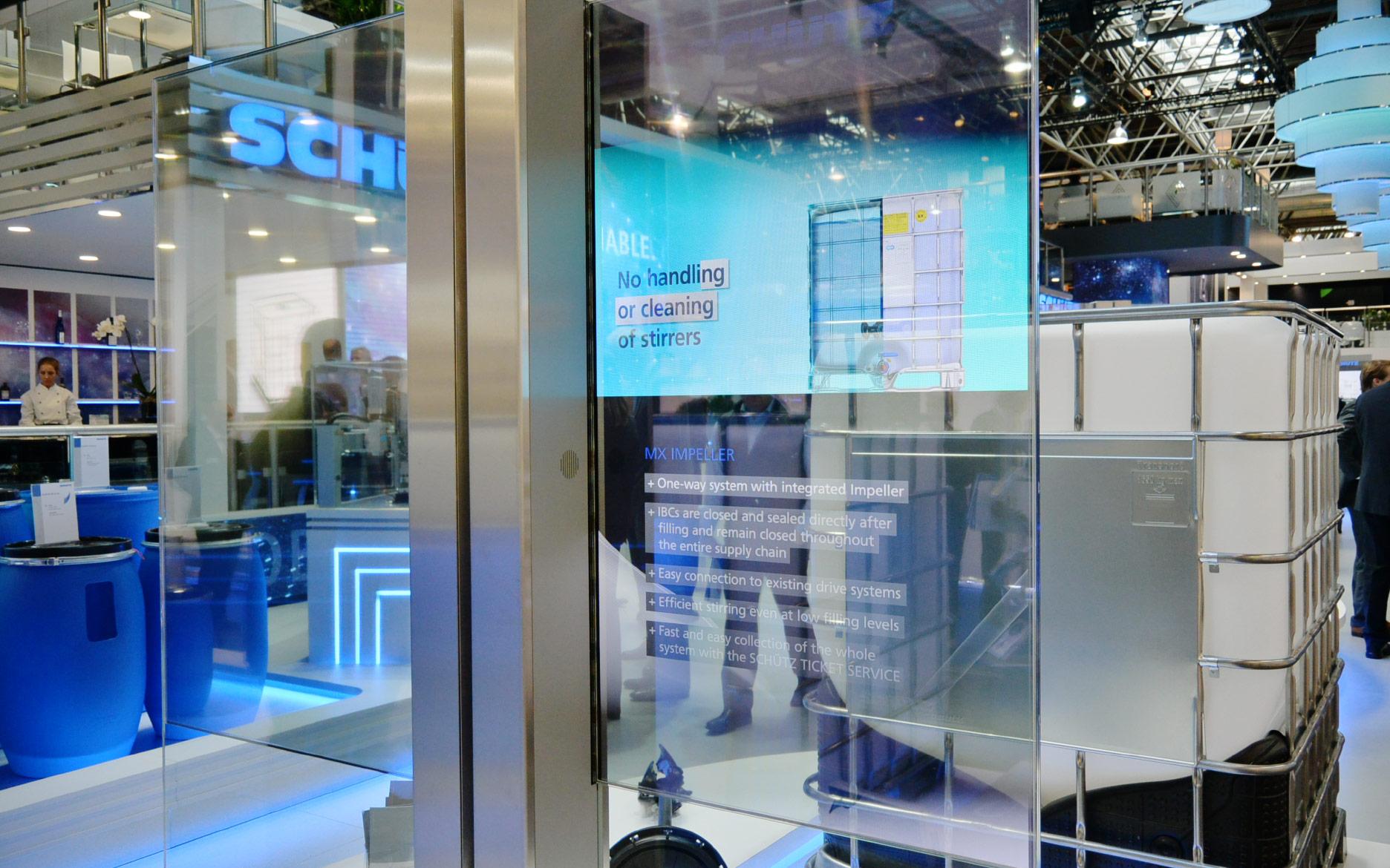Rahmenlose transparente OLED Screen Stele für SCHÜTZ auf der Interpack 2017